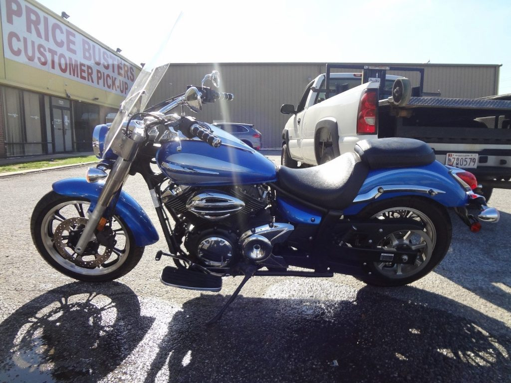 2009 Yamaha V STAR 950 with 5700 miles