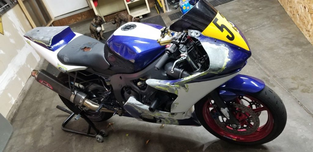 2003 Yamaha YZF R6 Race bike